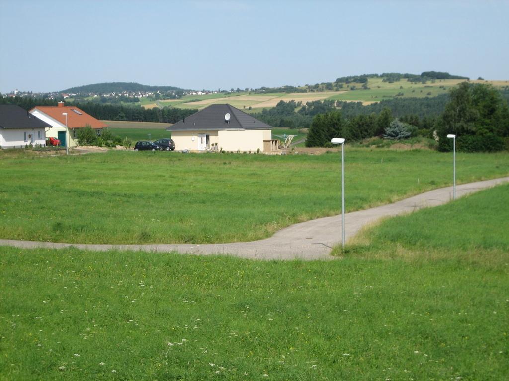 Bauplatz Nr. Parz. 161 im Wohngebiet Baugebiet Komm in Dollendorf