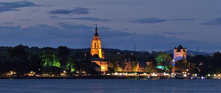 Eltville bei Nacht (Foto: Dieter Schenk)