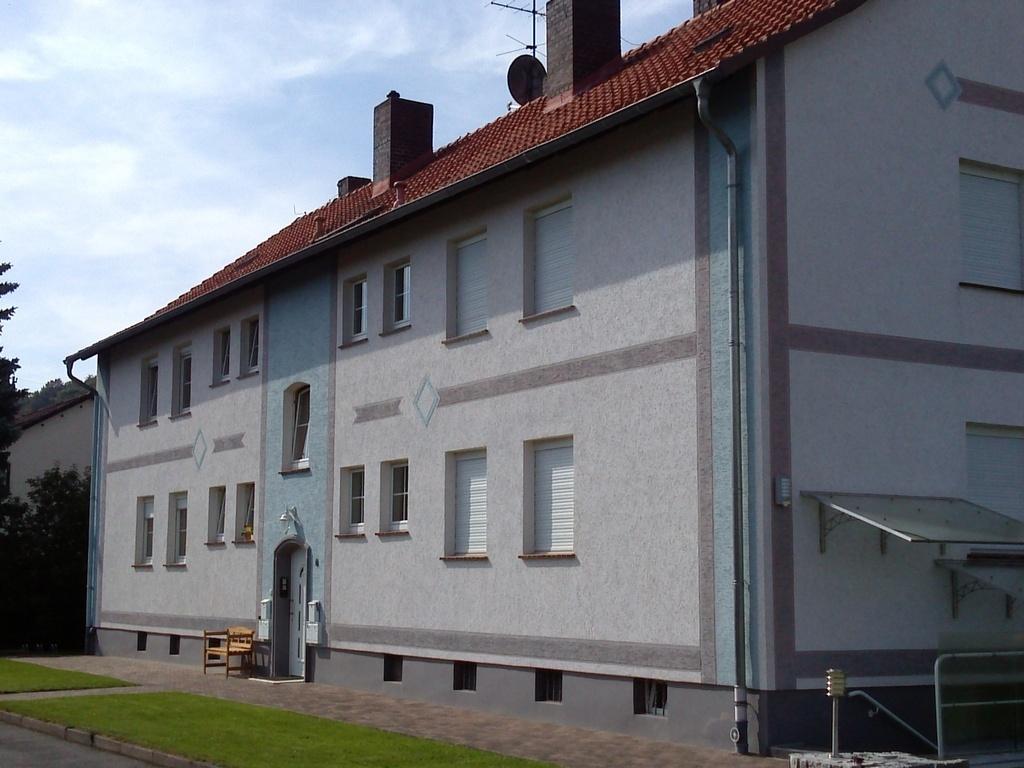 Robert-Hose-Straße 6 - EG li., Völkershausen