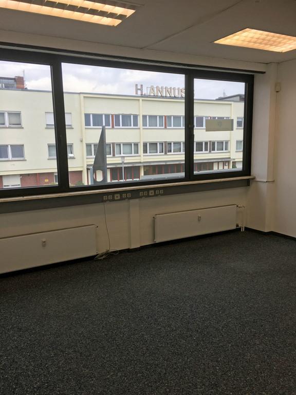 Büro4.JPG