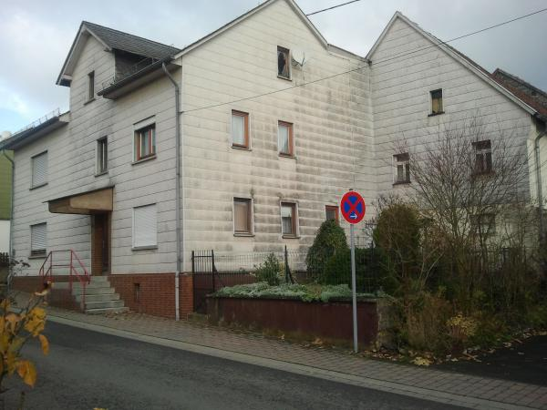 Vielseitiges Haus mit Nebengebäuden