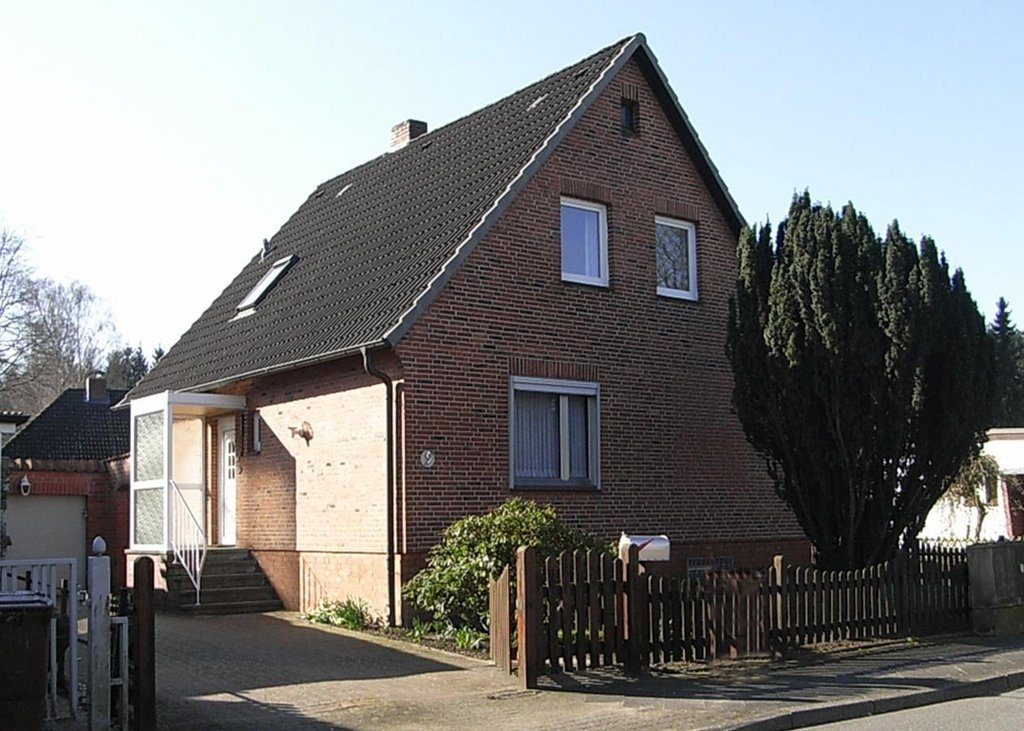 Solides Einfamilienhaus in guter Waldrandlage in Reinbek - als Kapitalanlage (dauerhaft vermietet)
